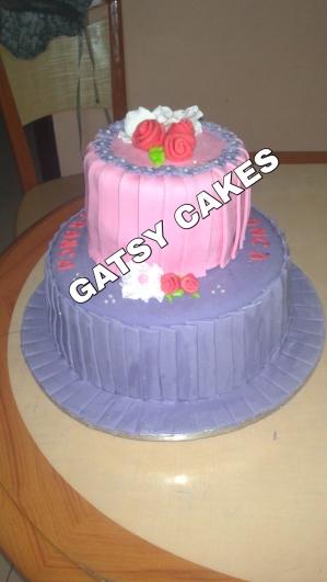 Pleated fondant cake